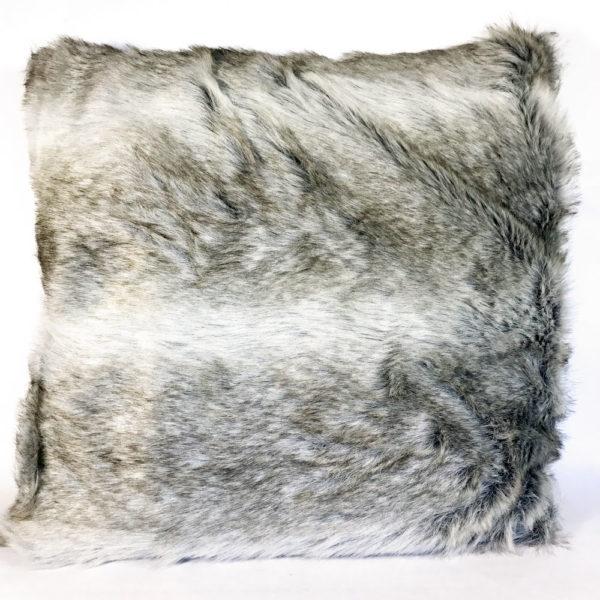 Sierkussen zilvervos bont (imitatie)